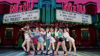 NiziU Jadi Girl Grup Jepang Pertama yang Lampaui Streaming 100 Juta Kali di ORICON