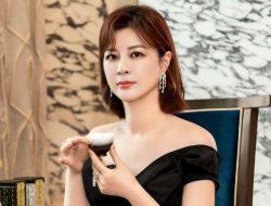 Du Hua CEO Yuehua Minta Maaf Usai Sukai Postingan Gosip Yang Zi dan Lay Zhang