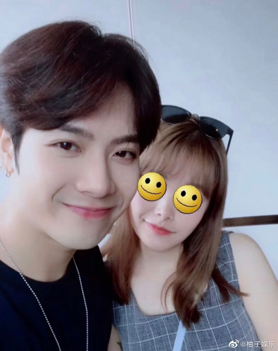 jackson wang with a reporter