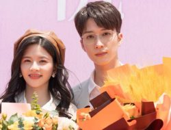 Lin Siyi SNH48 dan Xu Kaixin Syuting Drama Baru 'Dear Little Mermaid'