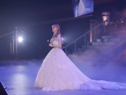 Miyawaki Sakura HKT48 Tampak Anggun dan Cantik Dalam Konser Kelulusannya Hari Ini.
