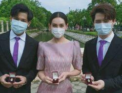 Bella Campen, Singto, dan Krist Terima Penghargaan dari Putri Raja Thailand