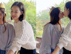 Victoria Song Cium Manja Aktris Cantik Wang Xiaochen