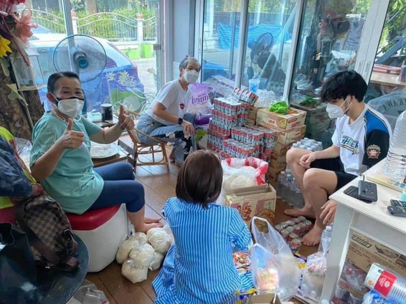 kao jiarayu helps peoples