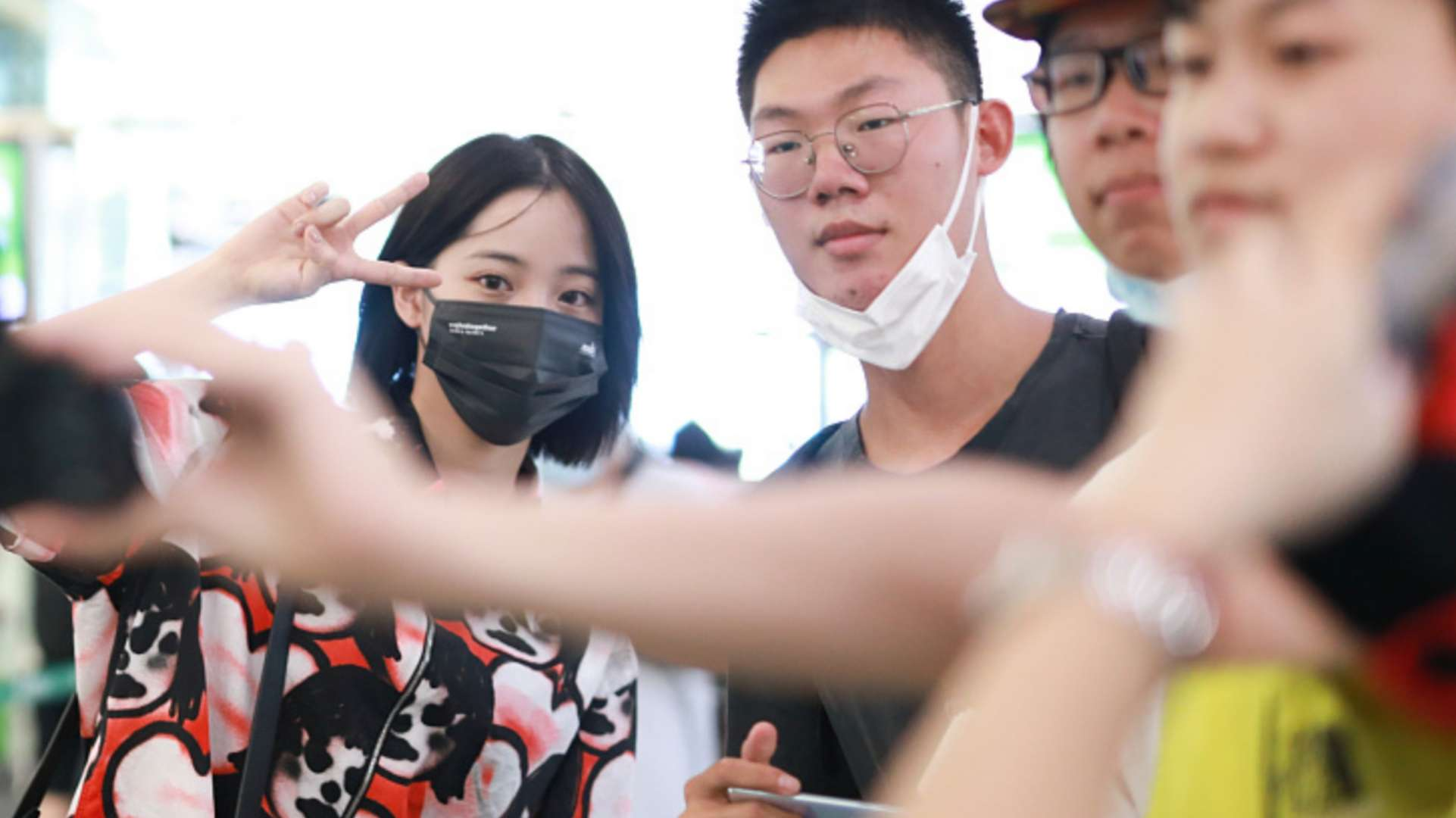 ouyang nana and her male fans