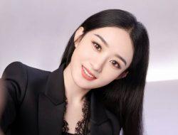 Penggemar Tolak Kerja Bareng Wang Yibo, Begini Tanggapan Zhao Liying