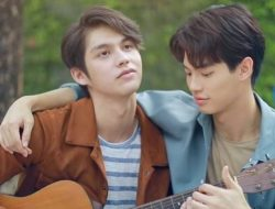 Bright Vachirawit 'Kan Goo' Menangkan Penghargaan Lagu OST Drama terbaik