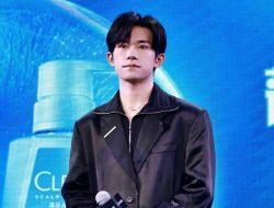 Jackson Yee Ingin Ubah Penampilan dengan Rambut Gondrong